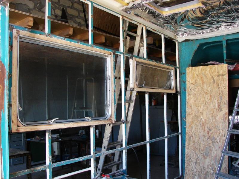 fenetre caravane adria petites annonces pas. Black Bedroom Furniture Sets. Home Design Ideas