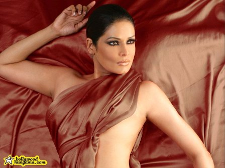 bollywood hot wallpapers. #4: Bollywood Hot Actress